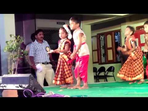 cute dance performance_kakkai illa seemaiyilla song