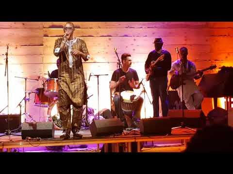 Demba Tandia au concert de son frère Salla Sow a Paris