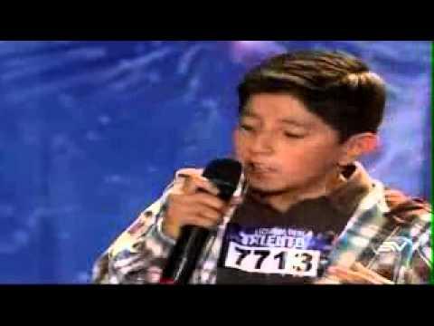 Ecuador Tiene Talento 2013 Santiago Acuña Canto 1era Semana #ETT
