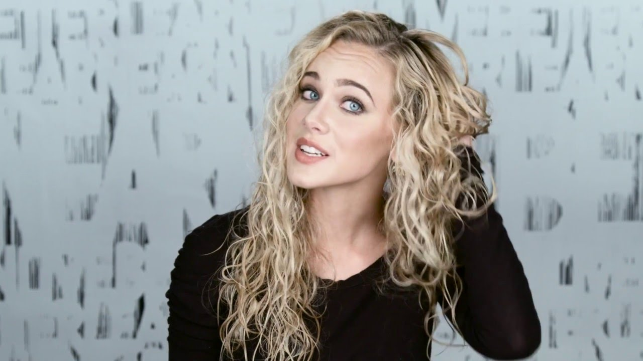 Wavy Hair Styling: Curly Hairstyles Tutorial: Mermaid Curls: How To Style