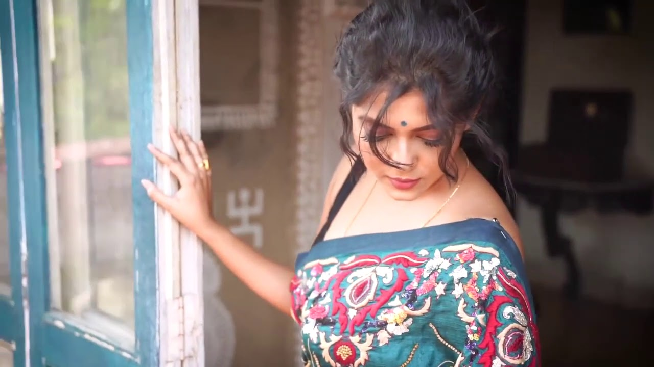 Download Saree Photoshoot || Triyaa Mix Saree ||  Bong Expressions
