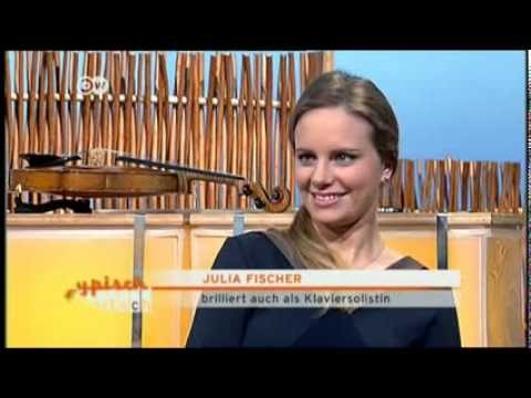 """Violinistin Julia Fischer bei """"Typisch deutsch"""" auf DW TV"""