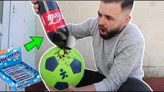 Am pus Coca-Cola &amp Mentos in mingea de fotbal