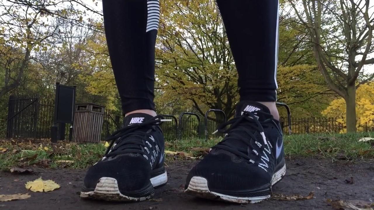 a5bdeed167142 Women s Nike Zoom Air Vomero 10 (Classic Charcoal White Black) - YouTube