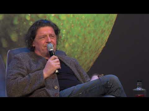 What does Marco Pierre White think about Michelin?