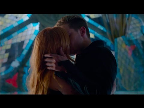 Clary and Jaces First Kiss Scene HD (Shadowhunters) [1x07]