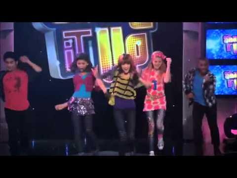 Shake It Up (A Todo Ritmo): Hip Hop Dance (Not Too Young)