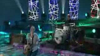 Lifehouse - Hanging By a Moment (Live)