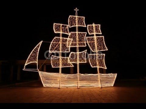Christmas Boat Greece.Athens Lights Christmas Ship Despite Economy Woes