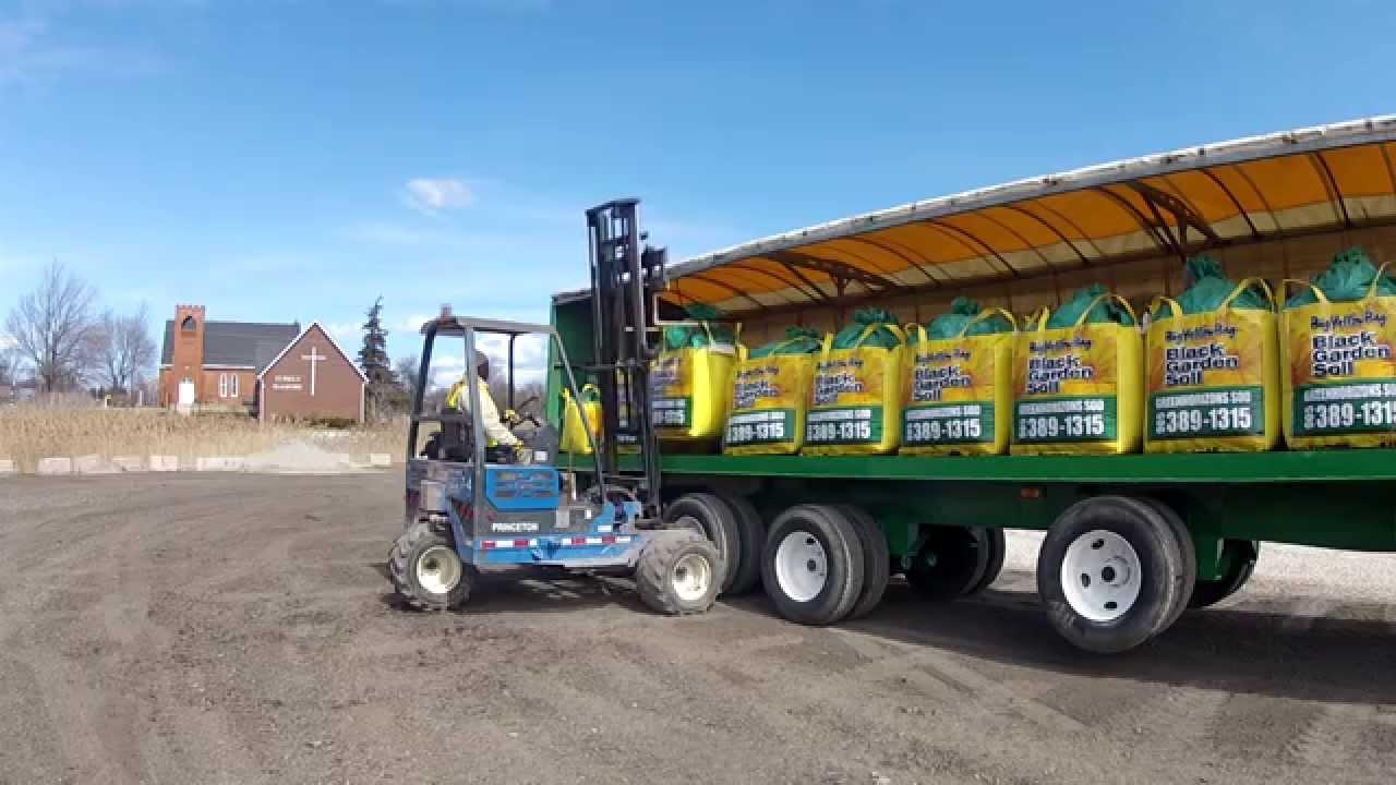 Soil Delivery - Garden Soil - Topsoil | Big Yellow Bag