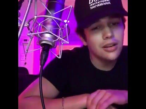 Austin Mahone - Live Stream on Facebook - I'm live for #InternationalWomensDay
