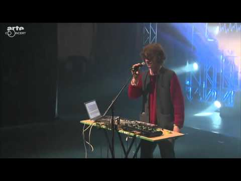 Cosmo Sheldrake - Live in France