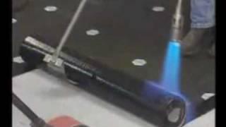 Укладка рулонного гидроизоляционного материала(Рулонный гидроизоляционный наплавляемый материал - самый популярный при устройстве кровли и гидроизоляци..., 2010-05-23T17:30:42.000Z)