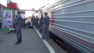 Заключенных привезли на зону в Можайске.