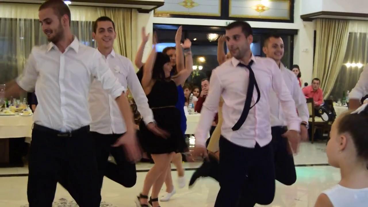 """Фолклорно настроение на българска сватба, """"Сливенци"""""""