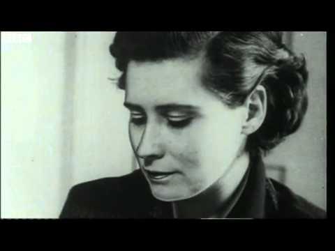 Novelist Doris Lessing Dies  18/11/2013