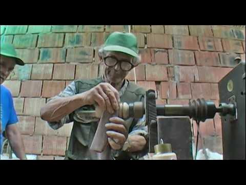 foot-powered wood lathe (with english subtitles) read the description!