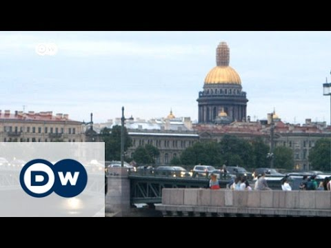 How people really live in Saint Petersburg | DW News