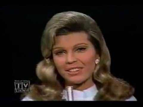 NANCY SINATRA   Strangers in The Night   1967