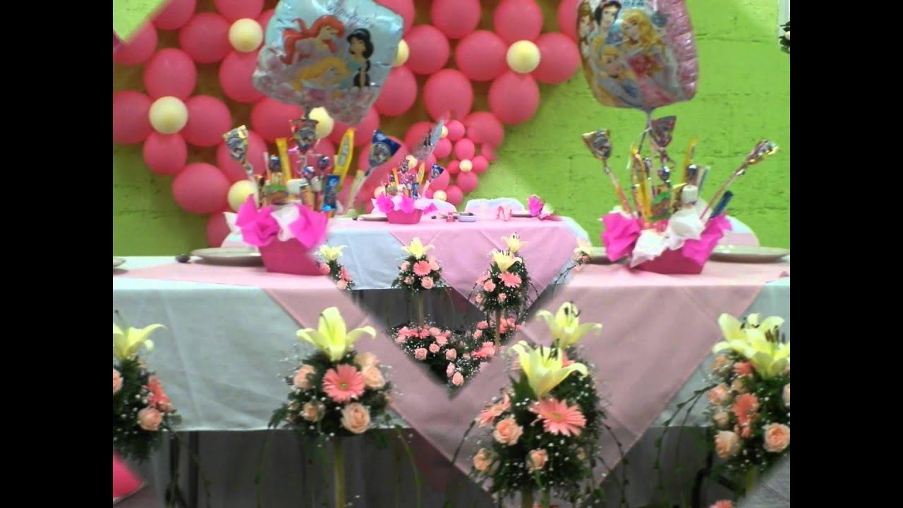Centros de mesa para fiestas infantiles con globos y du for Mesas fiestas infantiles