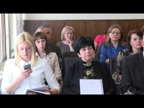 Лукашенко: если у учителей не будет достойного статуса и зарплаты, государство потеряет лучшие кадры