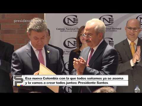 El Consejo Nacional Electoral entregó credencial al Presidente Santos