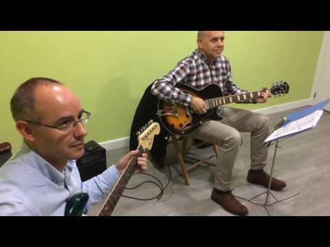 VIDEO CHRISTMAS JOHNNY GUITAR SCHOOL GUADALAJARA
