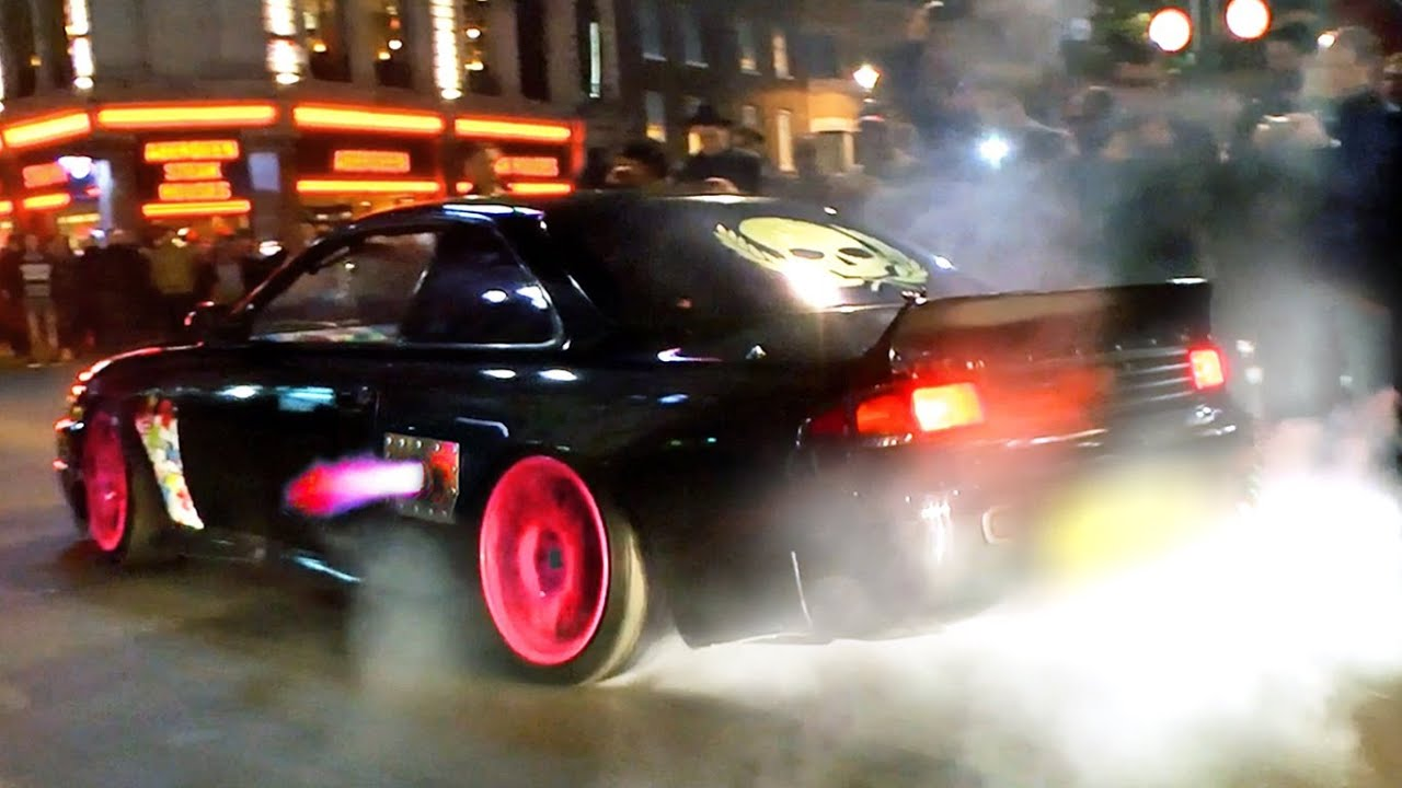 Car Spitting Flames Wallpaper Nissan S14 W Side Exhaust Flames Burnout And Drift In