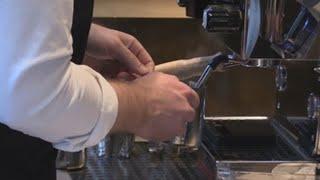 """Starbucks abre en Chicago su """"más grande"""" sede con exclusivas mezclas de café"""
