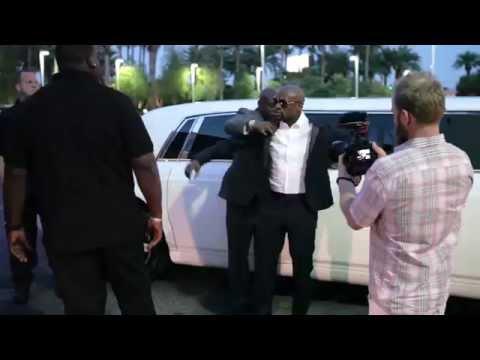 Floyd Mayweather Fighter Of The Year Award Presentation