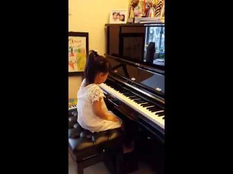冠軍 - 2014 第十八屆香港-亞洲鋼琴公開比賽兒童E組 - 芷煣