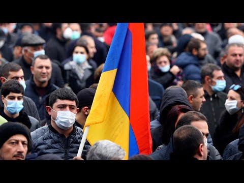 Многотысячный митинг в Ереване на площади Свободы