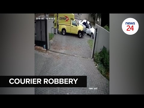 WATCH | Joburg delivery men held at gunpoint as suspects steal parcels