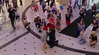 Необычное предложение руки в Меге (Калининград)