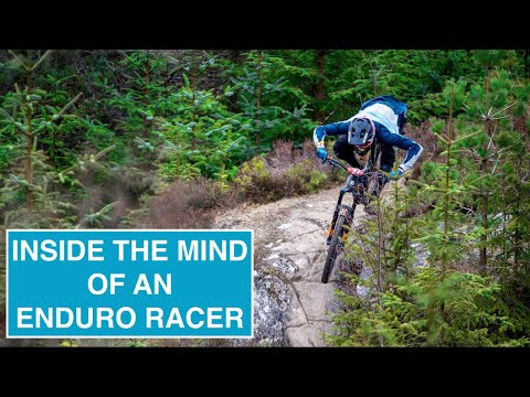 What pro's think when racing enduro // Onboard racing with commentary