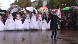Шуйские невесты бегут в любую погоду