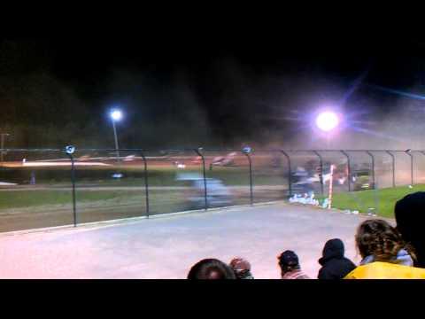World of Outlaws Rolling Wheels Raceway Start