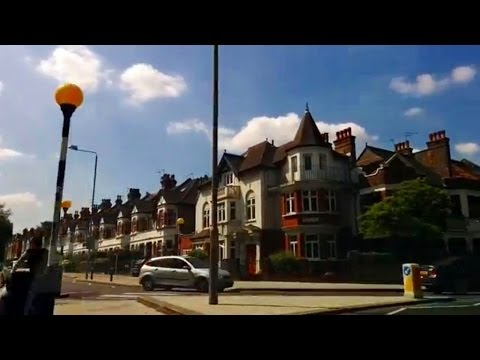 Driving in London - Clapham Common