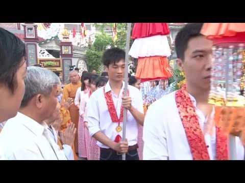 "Kinh Mung Dai Le Phat Dan PL.2560 - DL.2016""CHUA GIAC NGUYEN"""