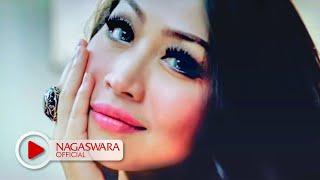 Download lagu Dewi Luna - Ayank Kamu Ayank Aku Juga - Official Music Video - NAGASWARA