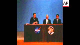"SYND 15-3-70 APOLLO 13 ASTRONAUTS PRESS CONFERENCE - COMMANDER LOVELL NAMES LUNAR MODULE ""AQUARIUS"""