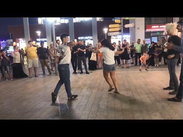 Дети И Девушка Танцуют Четко Мягко С Парнями 2019 ALISHKA ELVIN ABDULLA East Point (Тбилиси)