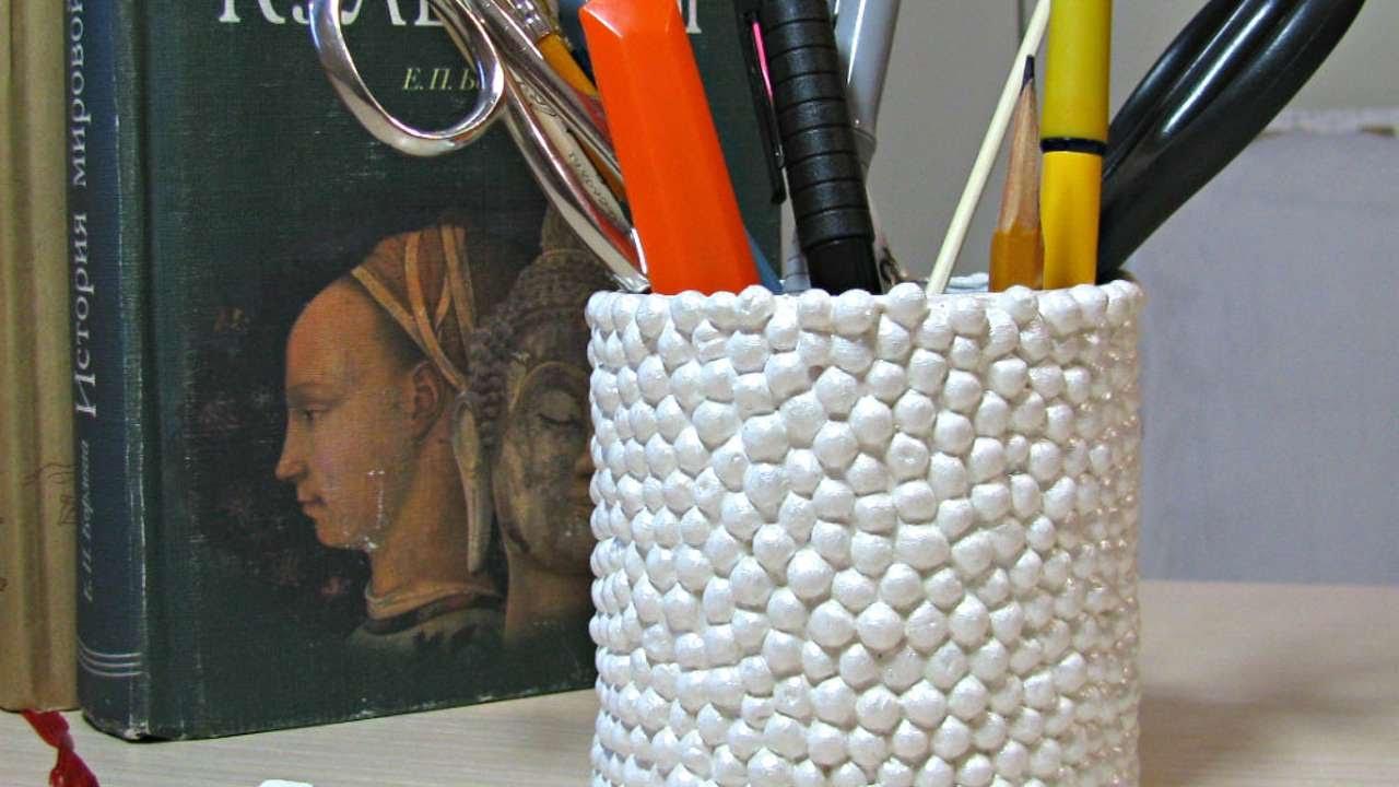 how to make a stylish pen holder diy crafts tutorial guidecentral youtube. Black Bedroom Furniture Sets. Home Design Ideas