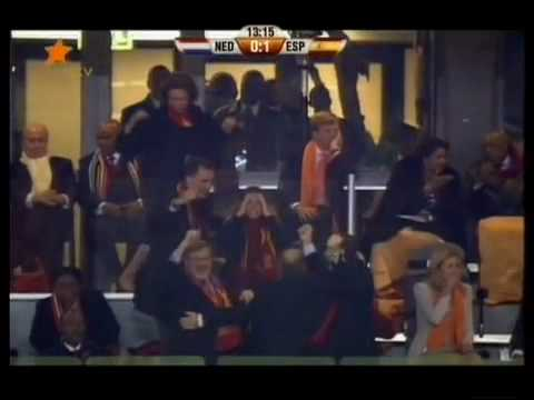 Iker Casillas cries Spain España vs Netherlands Holland Países Bajos Espagne 스페인 Iran.flv