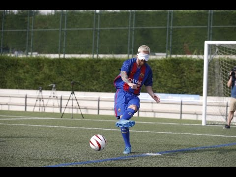 Can Messi score a penalty kick blindfolded?