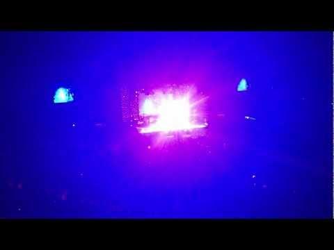 Mann Kunto Maula - Atif Aslam Live at Dhamaka 2012 London O2 Arena 22/04/2012 HD