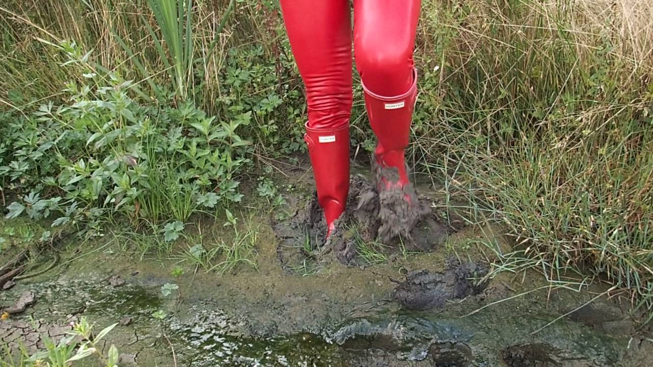 Hunter Original Tall rot mit rote Latexleggings Schlamm ...