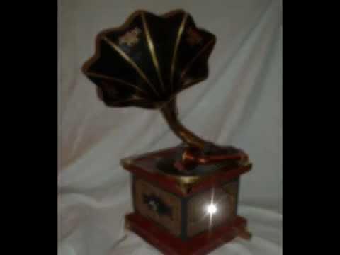 Vintage Dulcetto Gramophone for sale on eBay (7 day listing from 04.11.12)de YouTube · Durée:  1 minutes 9 secondes · 1.000+ vues · Ajouté le 04.11.2012 · Ajouté par stonehengeephemera