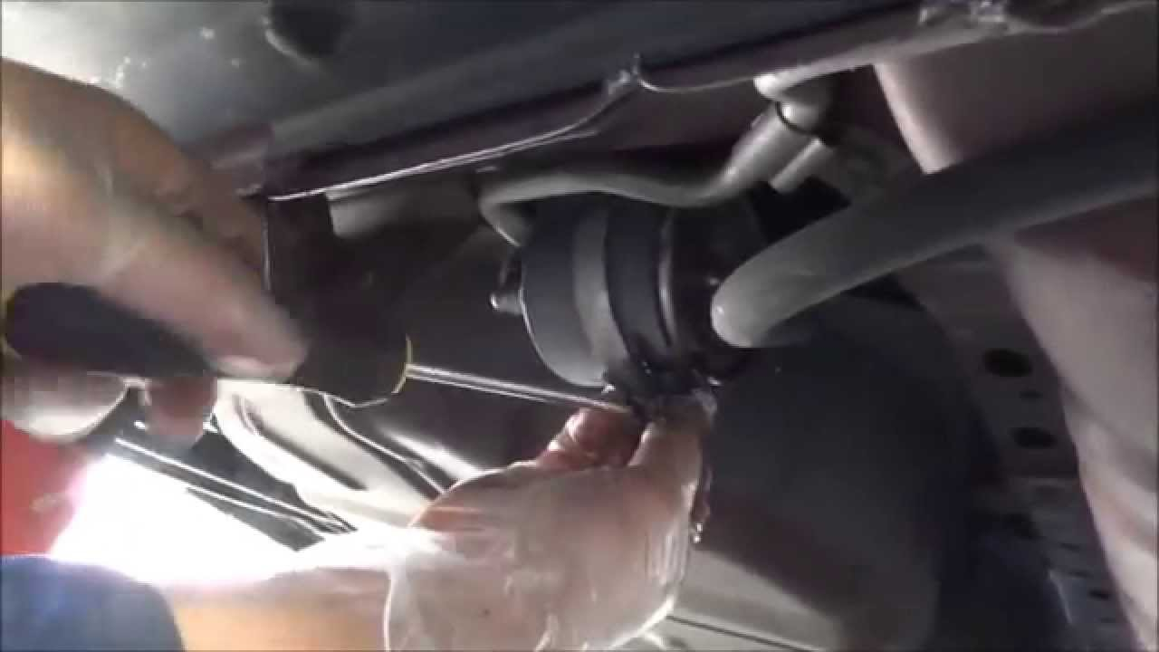 2005 sable fuel filter