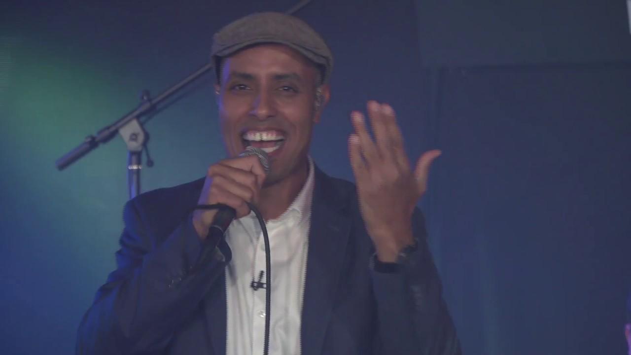 מדברים שירה: עמירם בן לולו מארח את רועי ידיד ותזמורת ענבי הגפן HD
